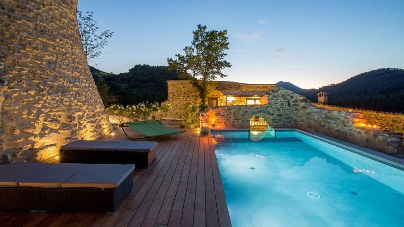 Nager sur les collines piscine en verre Piscine à paroi vitrée Gris clair