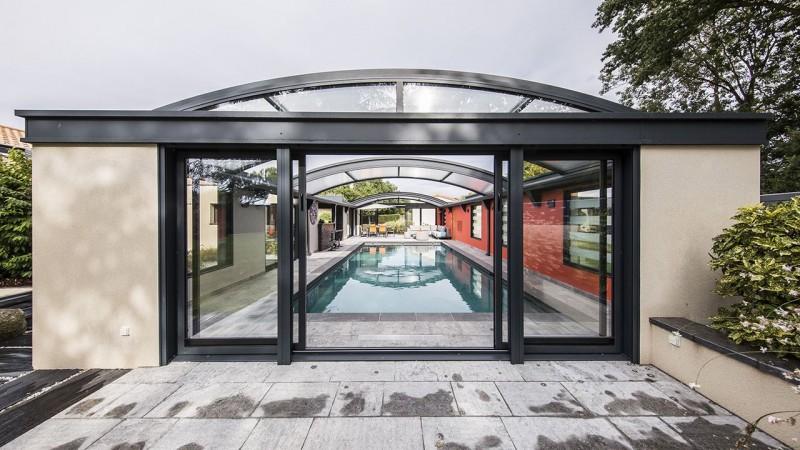 bassin ciel ouvert l 39 esprit piscine. Black Bedroom Furniture Sets. Home Design Ideas