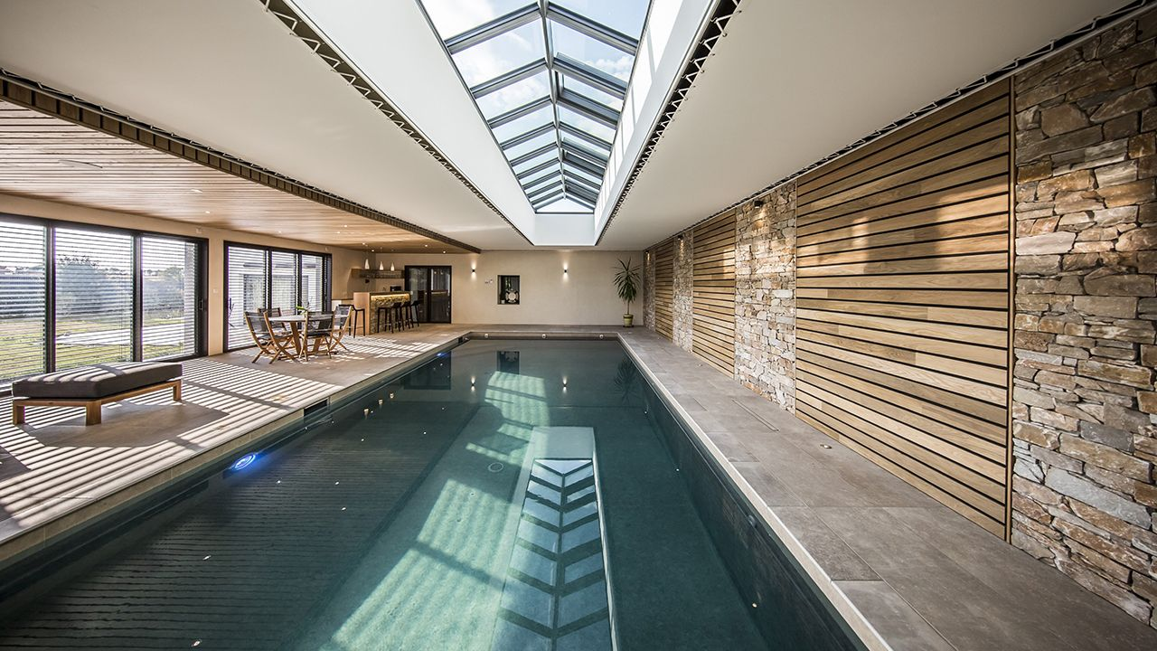 piscine int rieure archives l 39 esprit piscine. Black Bedroom Furniture Sets. Home Design Ideas
