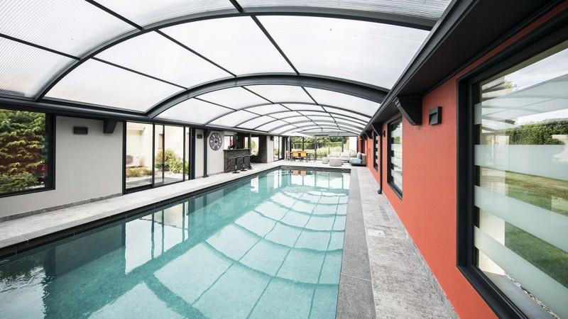 Bassin à ciel ouvert veranda couverture de piscine Ligne d'eau minérale Abris de piscine 3D Gris béton