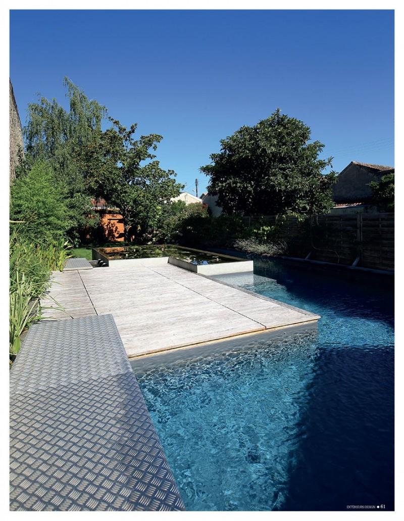 Construction de piscines en france par l 39 esprit piscine for Piscine jardin aquatique
