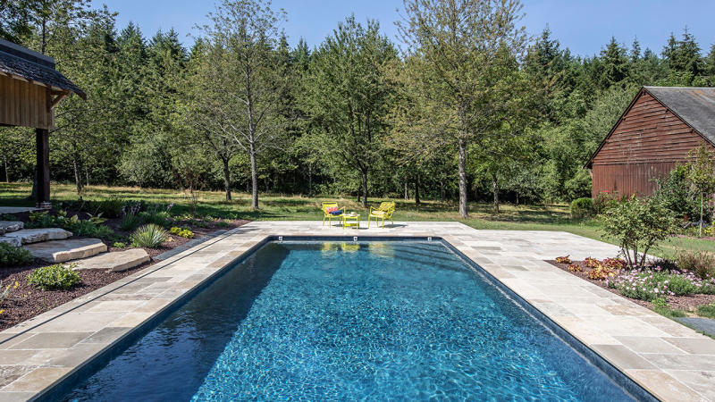 Puits d'eau apaisant amenagement paysage autour piscine Piscine paysagée 3D Gris ardoise