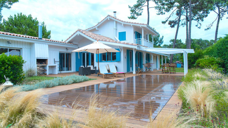 Essence d'eau et de bois aqualift fond piscine Piscine à fond mobile Gris clair
