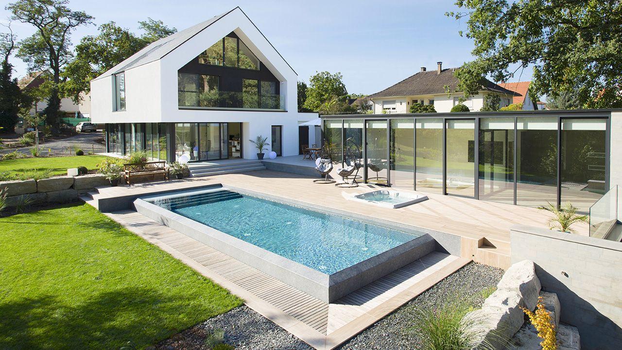 Baignade reposante construire piscine a debordement design Piscine à débordement 3D Gris béton