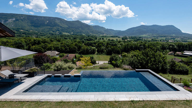 Bain en altitude construire une piscine a debordement Piscine à débordement 3D Gris ardoise