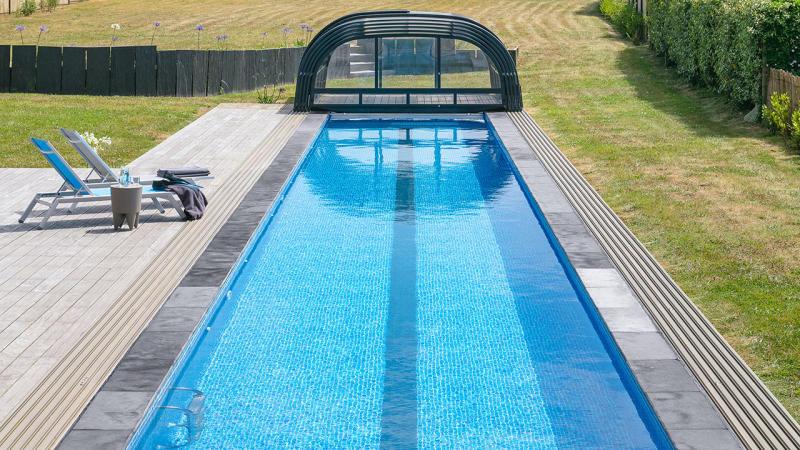 Un bassin hors norme couloir de nage dimension minimum 1810 Couloir de nage Abris de piscine