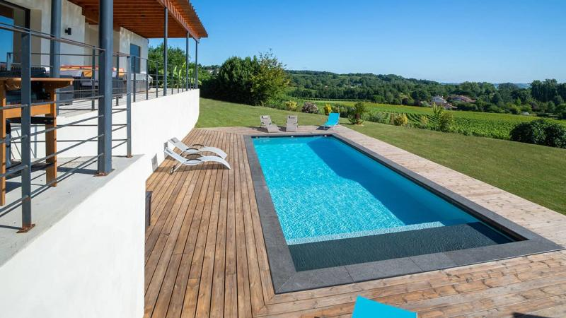 Ligne d'eau sur pierre ligne eau minerale blanc esprit piscine 2020 71 Ligne d'eau minérale Gris anthracite