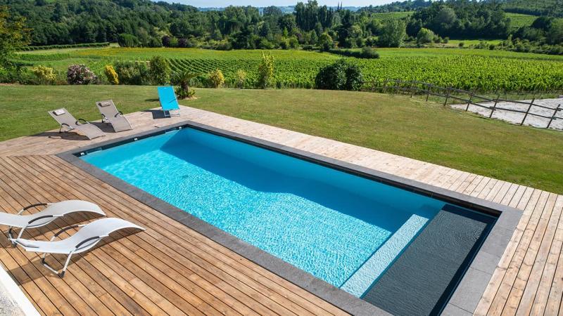 Ligne d'eau sur pierre ligne eau minerale esprit piscine campagne 2020 69 Ligne d'eau minérale Gris anthracite