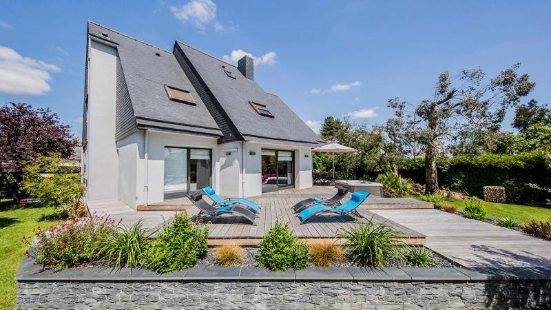 La piscine mystère mini piscine bois rectangulaire Piscine avec terrasse mobile