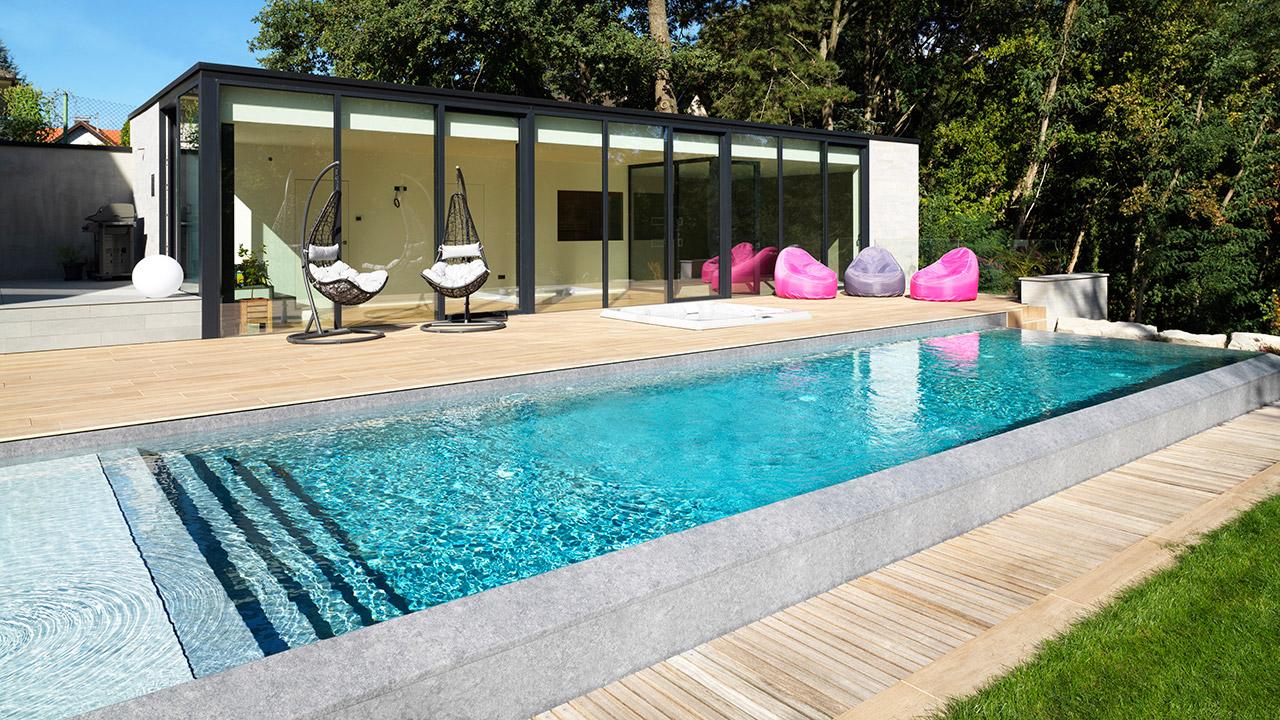 Baignade reposante piscine a debordement principe Piscine à débordement 3D Gris béton