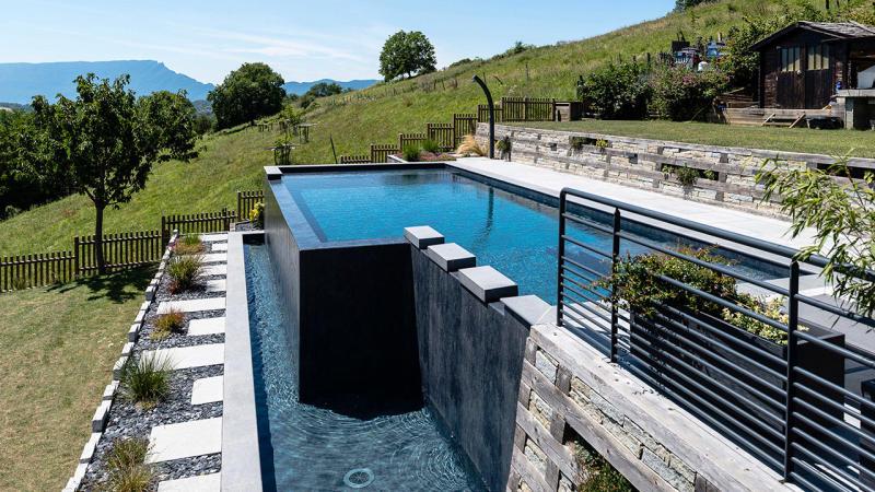 Bain en altitude piscine debordement avec vue Piscine à débordement 3D Gris ardoise