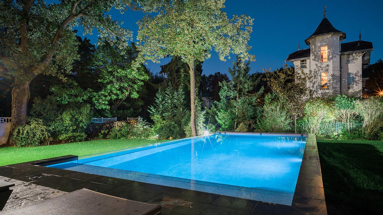 Bassin de cristal piscine facade verre Piscine à paroi vitrée 3D Gris béton