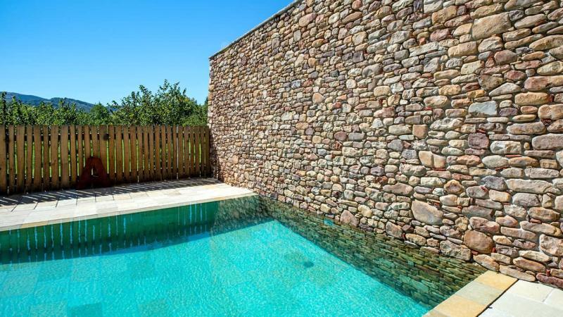 Piscine minérale piscine miroir minéral mur pierres esprit piscine 2020 92 Piscine miroir minéral