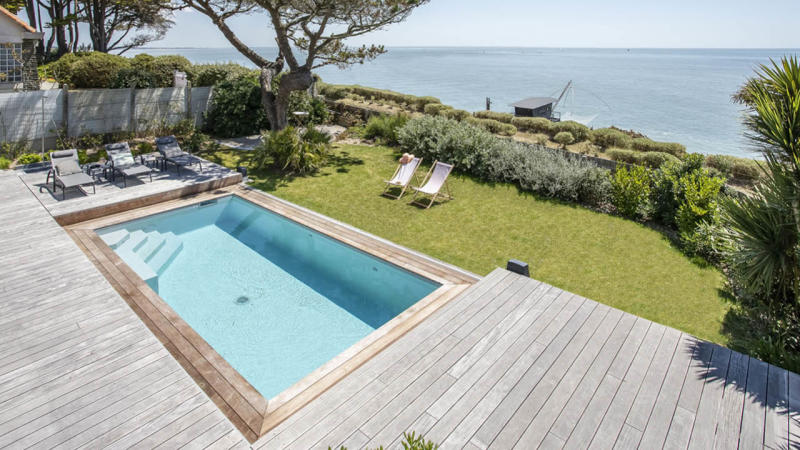 Face à la mer petite piscine terrasse mobile Piscine avec terrasse mobile Gris clair