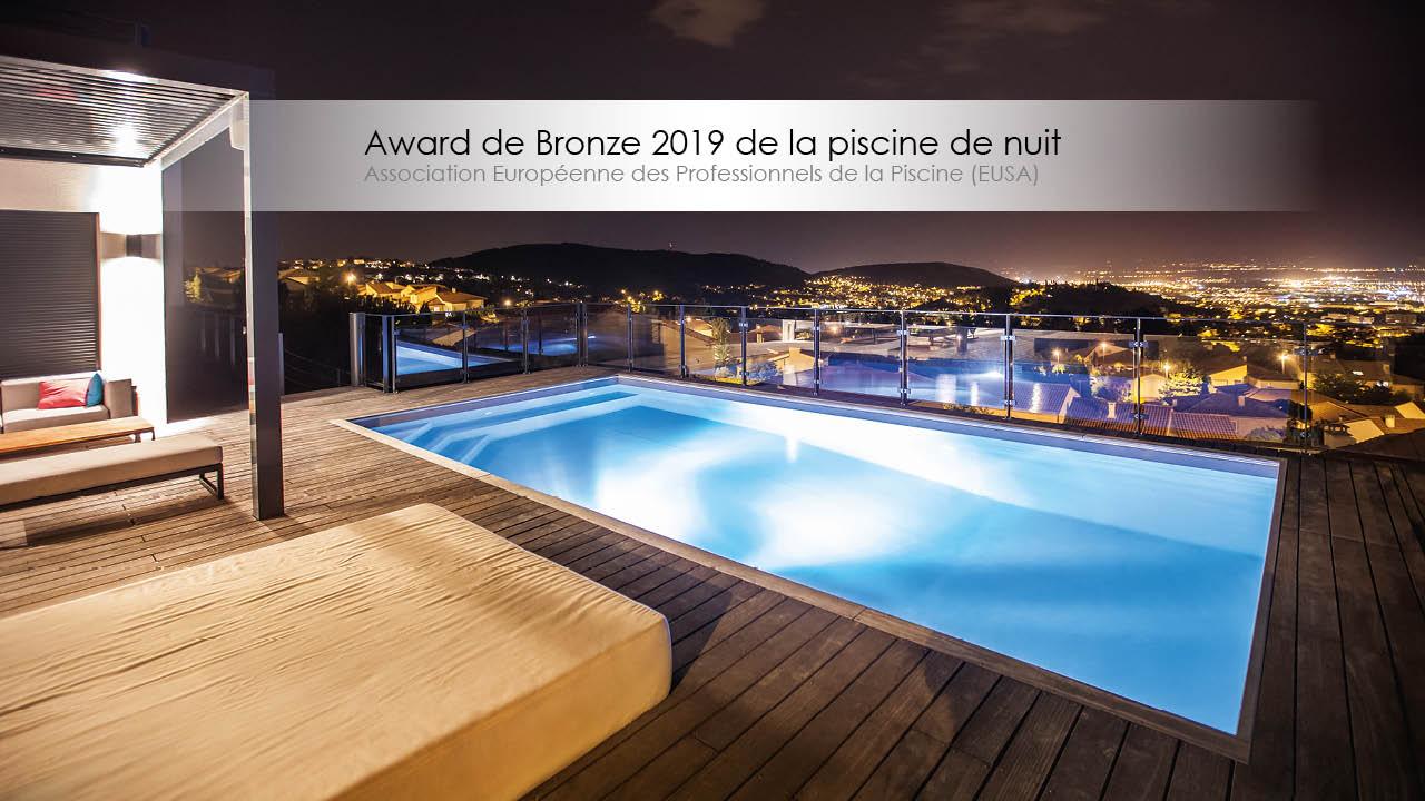 Award de bronze 2019 de la piscine de nuit