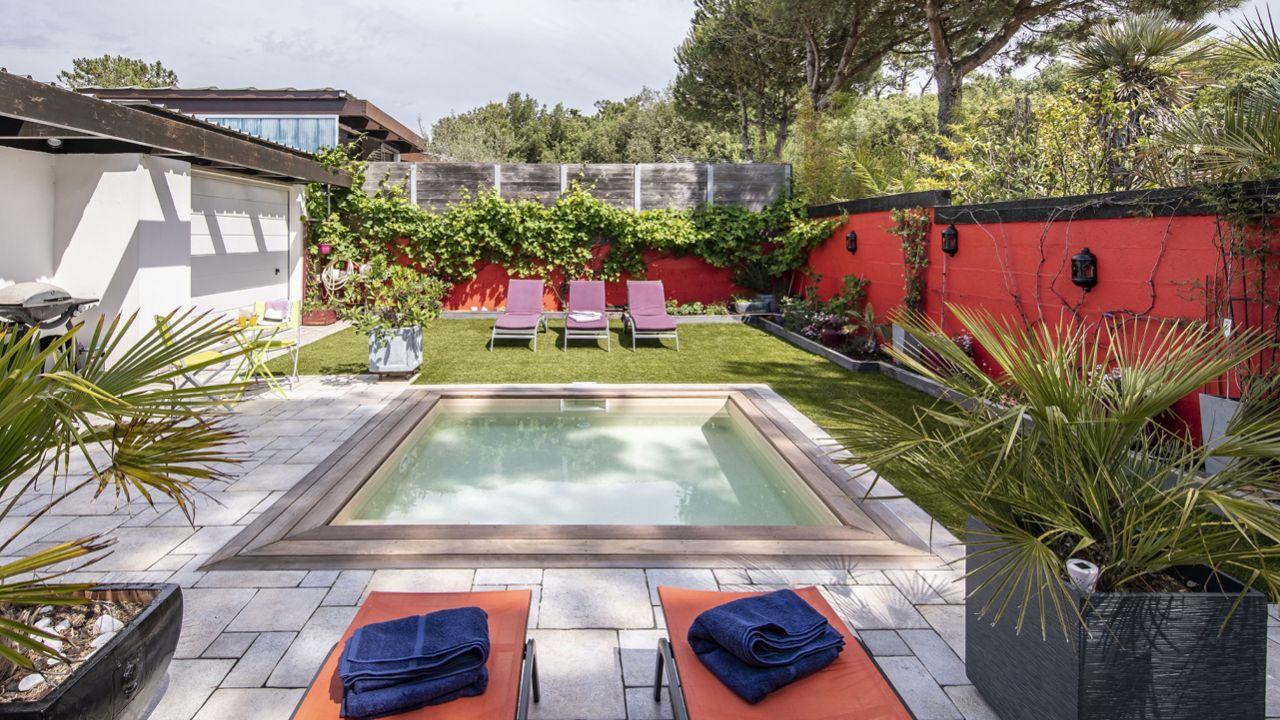 Carré de sable petite piscine jardin 3D Sable
