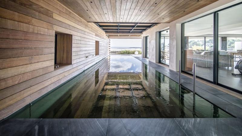 Une piscine d'exception piscine fond mobile bas Piscine à fond mobile Piscine In&Out Piscine miroir minéral