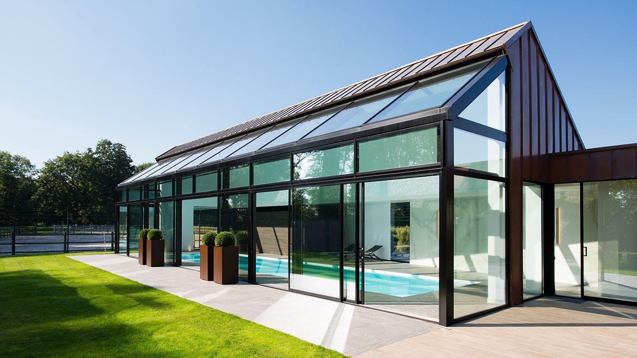 Pièce d'eau personnelle idee piscine interieure Piscine intérieure Blanc