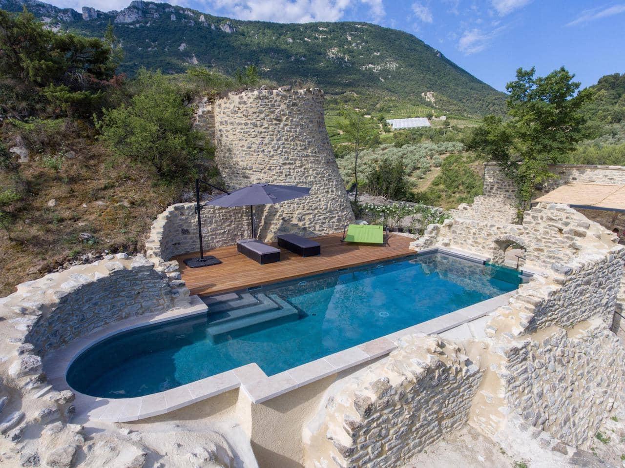 premier-prix-incroyable-piscine-residentielle-exterieure