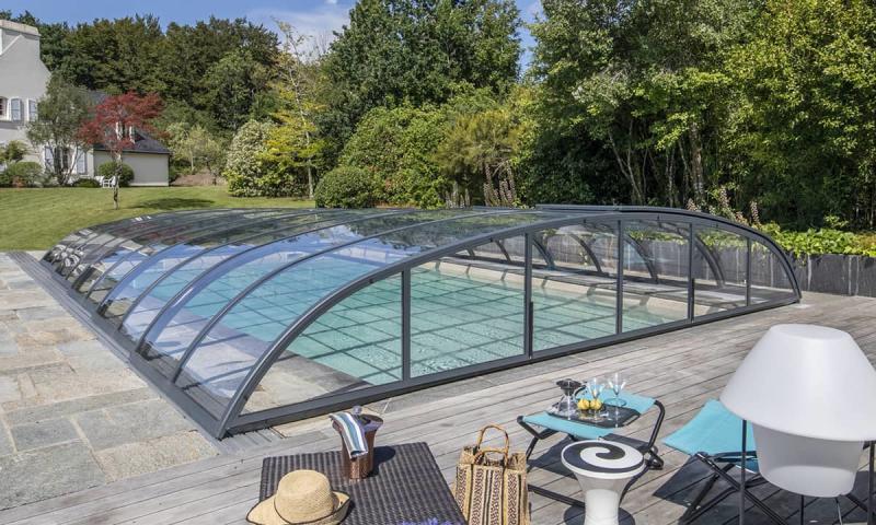 Abris de piscine 3D Grège Baignade en toute discrétion