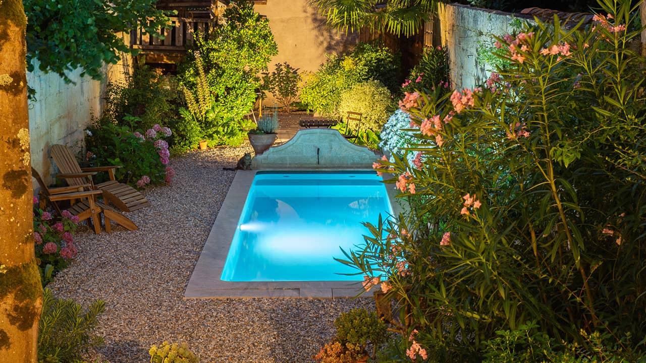 Bassin citadin bassin petite piscine citadine nuit esprit piscine 2020 25 Piscine citadine Gris anthracite