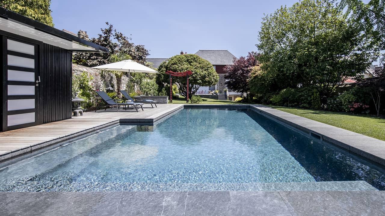 Baignade en toute sérénité ligne eau minérale esprit piscine 2020 79 Ligne d'eau minérale 3D Gris béton