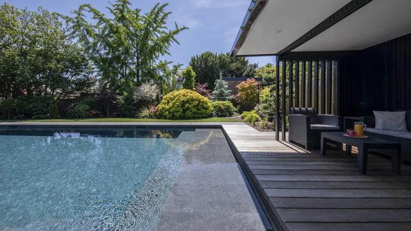 Baignade en toute sérénité ligne eau minérale esprit piscine 2020 83 Ligne d'eau minérale 3D Gris béton