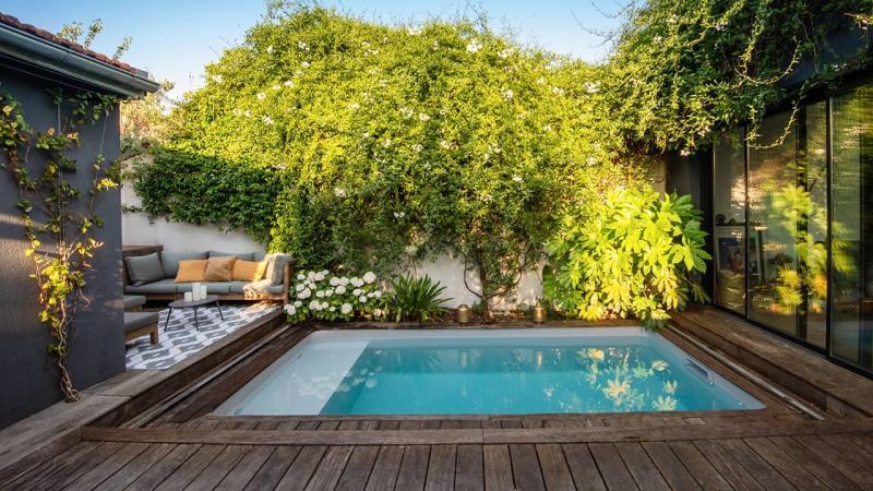 Petite piscine, grand succès petite piscine citadine 10m2 esprit piscine 2020 18 Piscine citadine Gris clair
