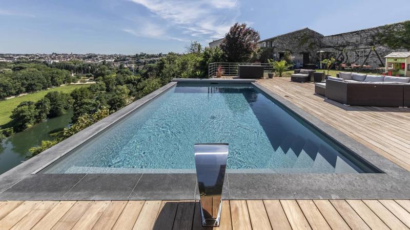 Bain en haut lieu petite piscine citadine esprit piscine 2020 11 Piscine citadine Gris anthracite