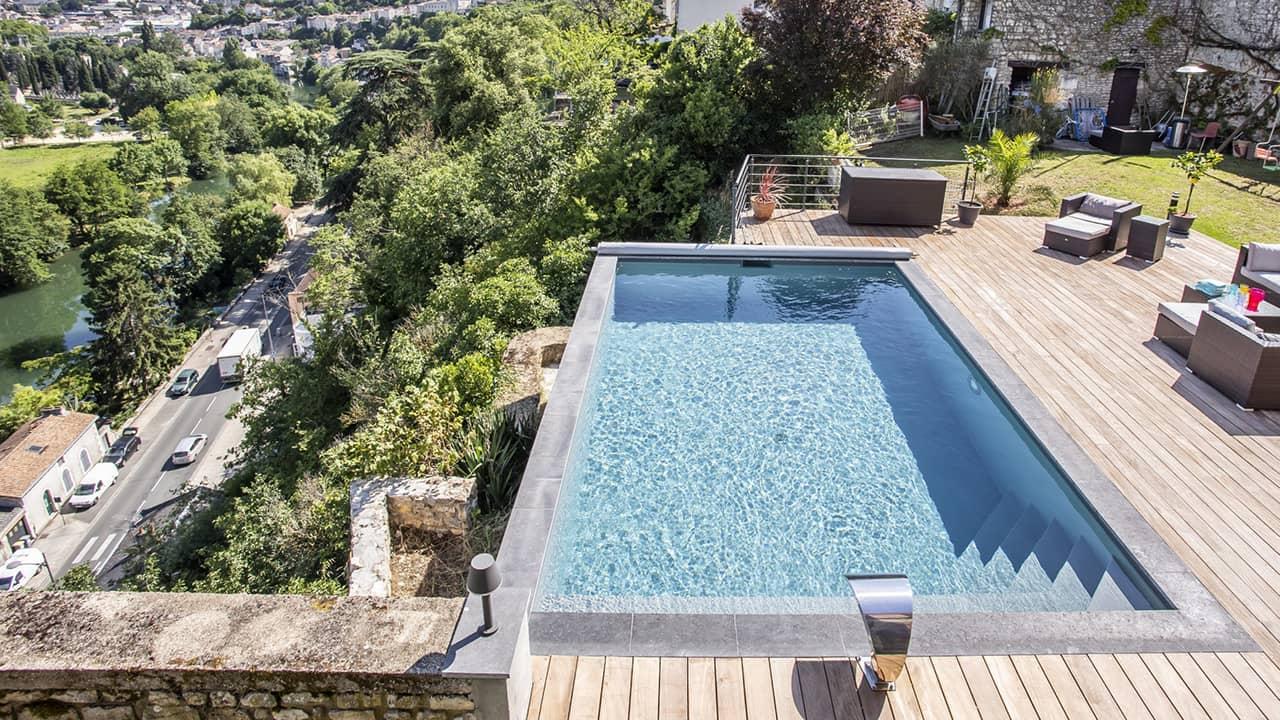 Bain en haut lieu petite piscine citadine esprit piscine 2020 12 Piscine citadine Gris anthracite