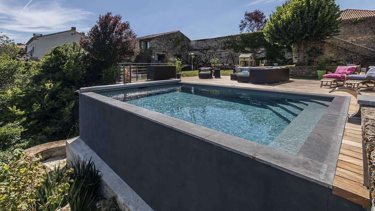 Bain en haut lieu petite piscine citadine esprit piscine 2020 9 Piscine citadine Gris anthracite