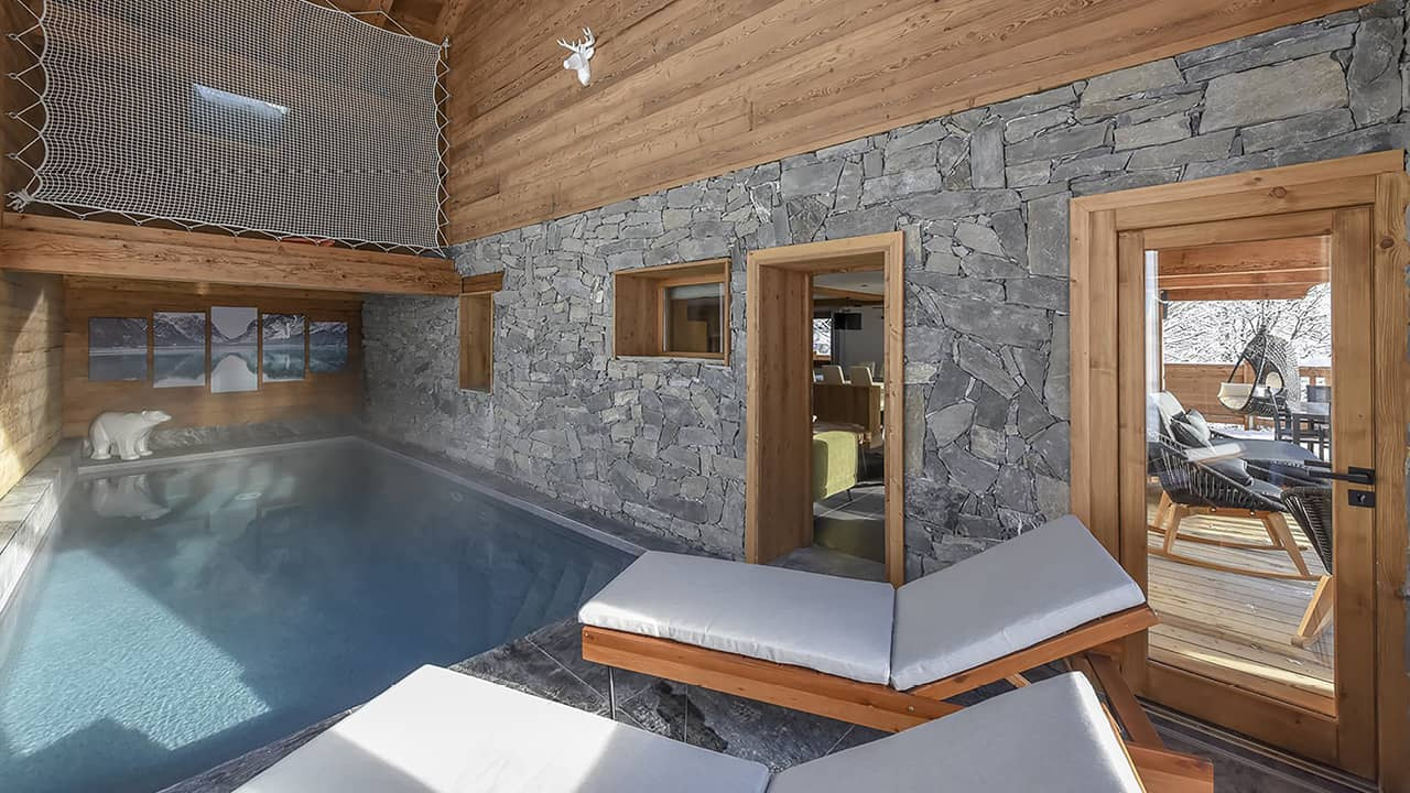 Montagne avec piscine piscine intérieure chalet montagne esprit piscine 2020 64 Piscine intérieure 3D Gris béton