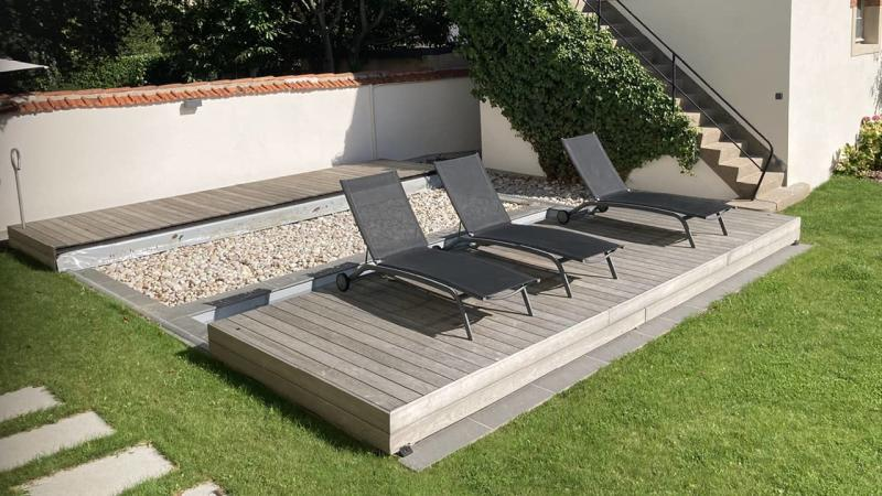 Eclipse d'eau piscine terrasse mobileesprit piscine 2020 126 Piscine avec terrasse mobile Gris clair