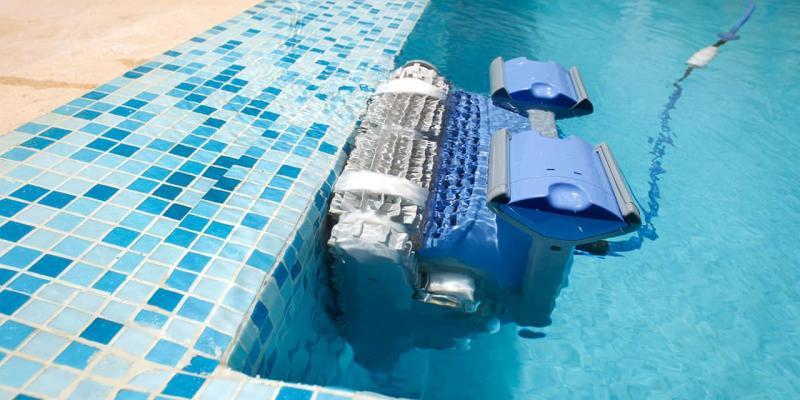 Robot de piscine Dolphin Maytronics
